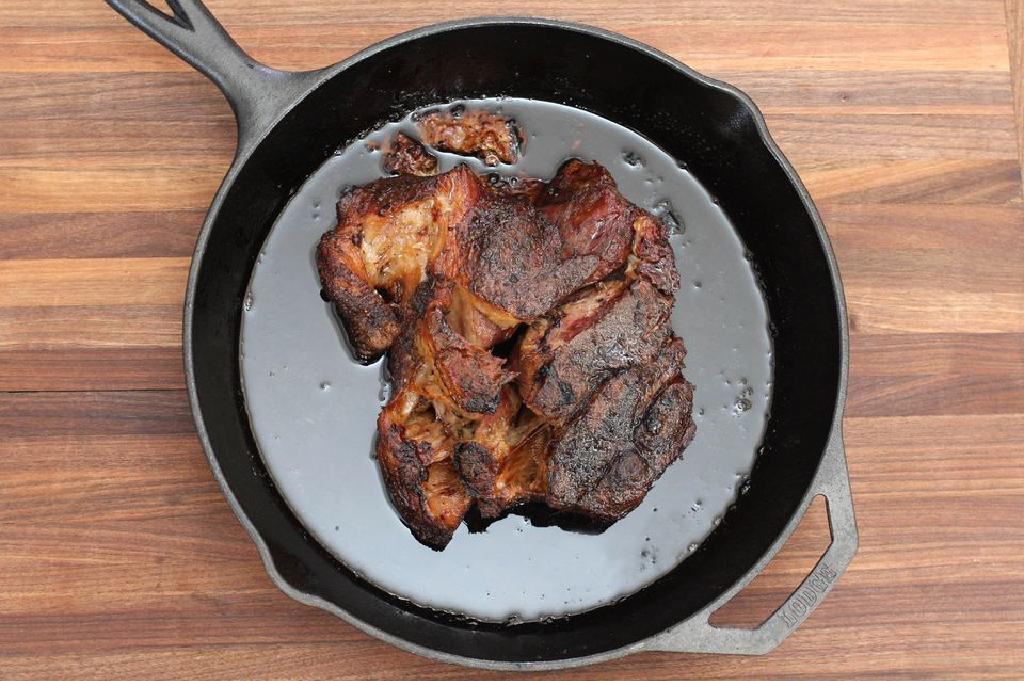 távolítsa el a zsírt a kihúzott sertéshúsból