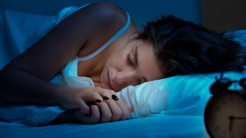 Kevesebb alvás, több zsír! Miért? | Peak girl
