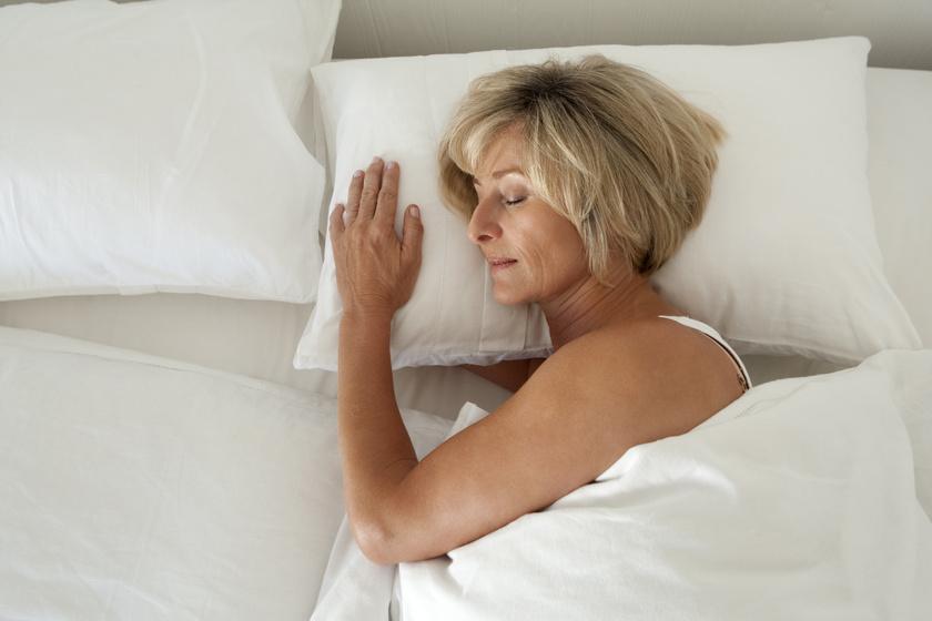 a túl sok alvás fogyást okozhat)