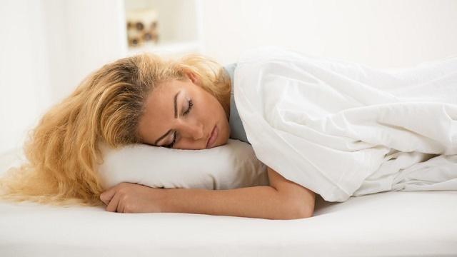 mikor kell aludni, hogy lefogyjon)